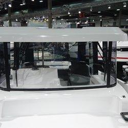 Barracuda 8 - sitteplasser foran styrhus