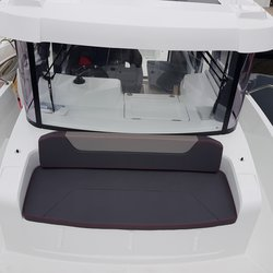 Barracuda 9 - sitteplasser foran styrhus