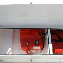 Rom til bensintank og batteri