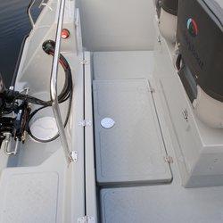540 CC - nedfelt rom i dørken med plass til 2 bensintanker