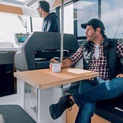 Barracuda 9 -bord i cockpit kan settes opp i taket når det ikke er i bruk