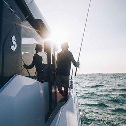 Barracuda 9 -dollbord gjør det enkelt å bevege seg rundt i båten.