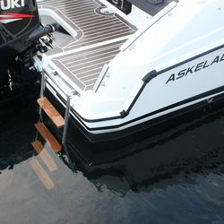 Askeladden C61 Center Console - badestige ned