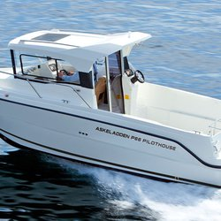 P66 Pilothouse i fart